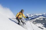 Skifahrerin vor herrlicher Kulisse