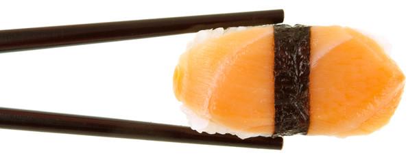 nigiri au saumon cru