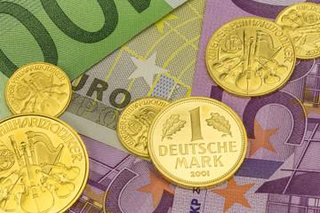 Goldmünzen auf Banknoten 2