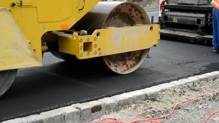 Strassenbauarbeiten Asphaltieren