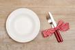 Rustikal gedeckter Tisch im Restaurant
