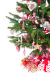 Weihnachtsbaum isoliert mit Geschenken in Rot