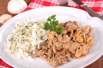 Schweinegeschnetzeltes mit Reis