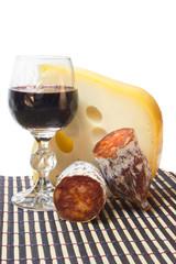 Vino, queso y embutido