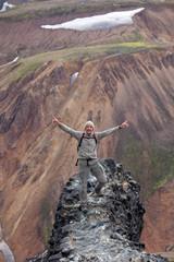 Avventura sulle montagne della Islanda