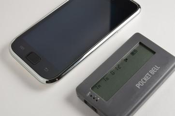 ポケットベルとスマートフォン