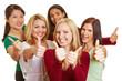 Glückliche Gruppe Frauen hält Daumen hoch