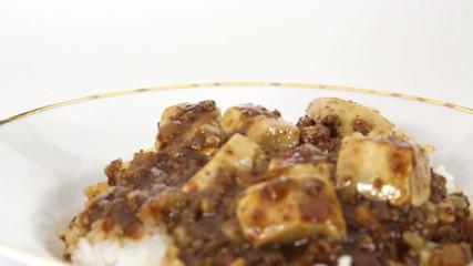 マーボー丼(フォーカスイン、フォーカスアウト)