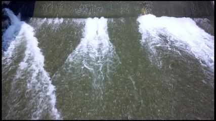 rio con poco caudal