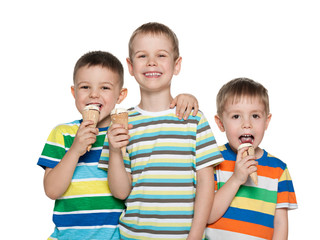 Boys eating ice cream
