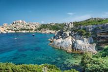 Sardynia plaża, wspaniałe morze w Capo Testa. Włochy