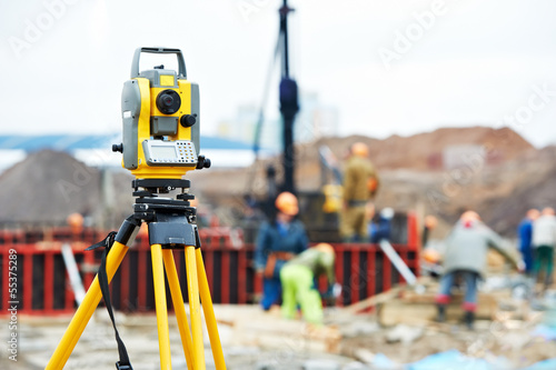 Zdjęcia na płótnie, fototapety, obrazy : surveyor equipment theodolite at construction site