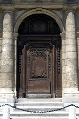 Old door in Toulon,France