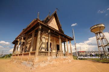dilapidated Monastery im Thailand temple