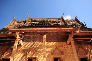 Side dilapidated Monastery im Thailand temple