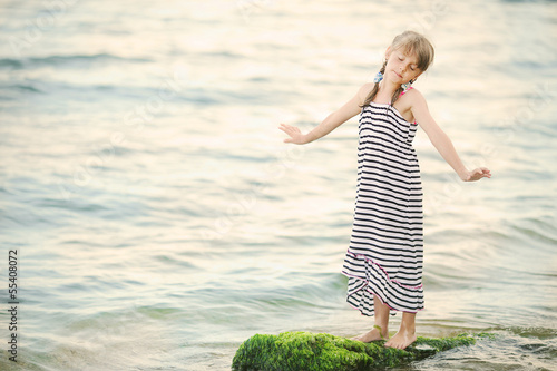 little girl dreams of the sea