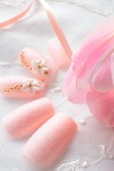 ピンクのネイルアート