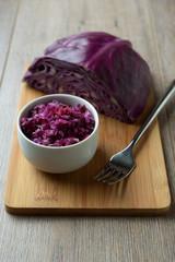 Frischer Rotkohlsalat