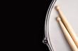 Leinwanddruck Bild - Snare drum and drumsticks