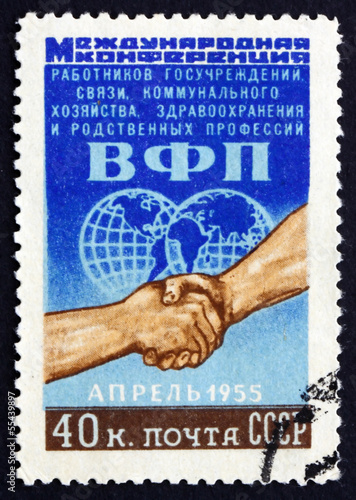 Postage stamp Russia 1955 Globe and Clasped Hands