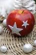 roter Apfel zu Weihnachten