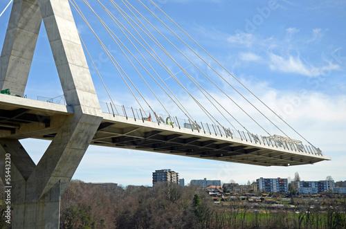 unfertige Brücke