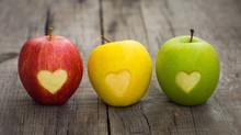 "Постер, картина, фотообои ""Apples with engraved hearts"""
