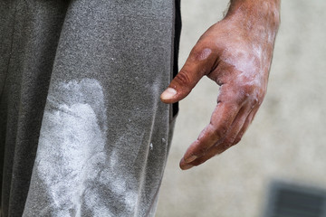 a sportsman with chalk on his hand