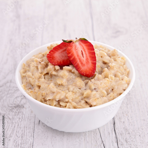 oatmeal and strawberry