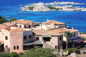 Hotel neben Mittelmeer