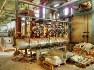 Heizkessel alte Fabrikhalle DDR