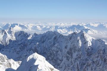 Die Welt der Alpen von der Zugspitze