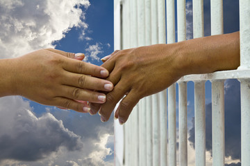 Convinces her husband to prison for a handshake
