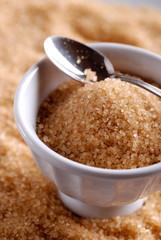 zucchero bruno di pura canna