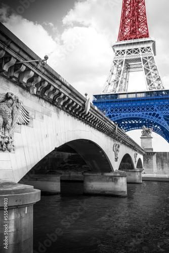 Tour Eiffel tricolore - 55549403