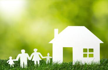 Scherenschnitt - Familie mit Eigenheim