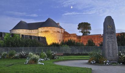 Château de brest, Francia, al anochecer
