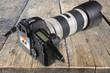 appareil photo reflex numérique sur planches