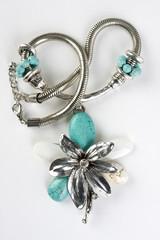 Halskette Modeschmuck Blüte türkis
