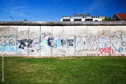 Berlin Wall Memorial with graffiti. The Gedenkstatte - 55583036