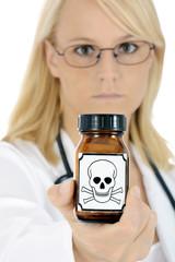 Ärztin mit Gift