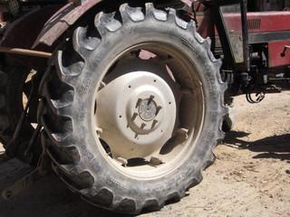 gomma trattore