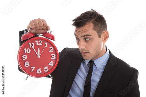 Change Management - Mann gestresst isoliert - 5 vor 12