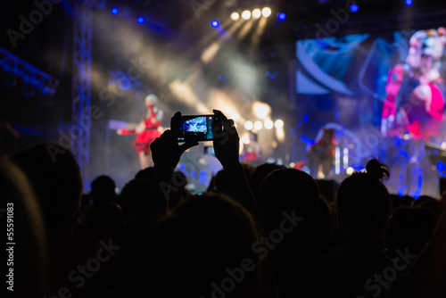 recording concert with mobile phone