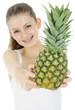 Teenager mit Ananas