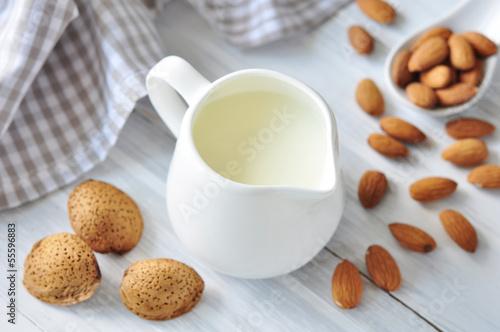 Leinwandbild Motiv Almond milk