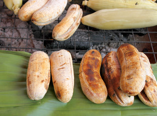 Grilled cultivated banana and corn