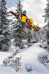 snowboarder fuori pista