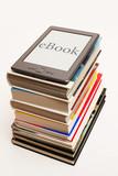 eBook auf Bücherstapel 2