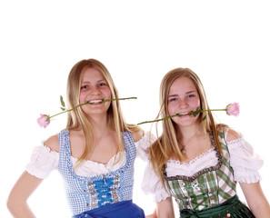 Zwei Mädchen im Dirndl